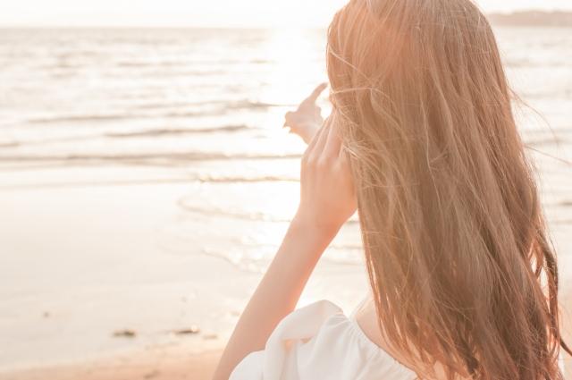 燙髮當天可以洗頭嗎?之後該如何維持捲度以及保養呢?