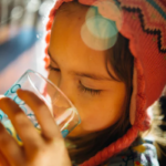 喝水好處多!促進新陳代謝、降血壓、排毒等10大益處讓你常保健康不生病!