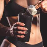 【乳清蛋白詳細介紹】乳清蛋白有分種類?健身就該喝嗎?探討乳清蛋白的5大功效與副作用
